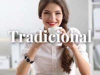 mujer de estilo tradicional